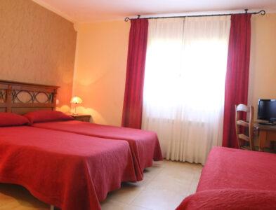 Habitación Triple Mallata y Cunarda